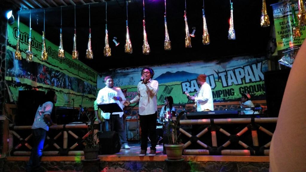 Matahari Reaggae Band (photo credit : Stevani Leonard)